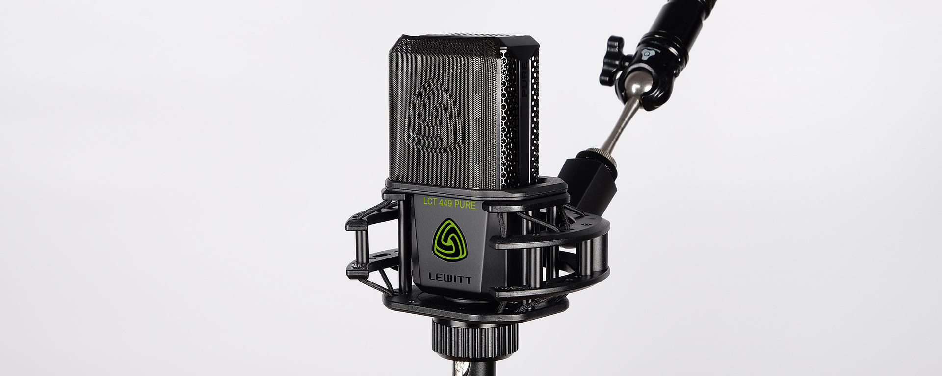LCT 449 PURE in shockmount with magnetic pop-filter